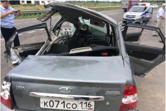 В ДТП с ролью «Камаза» в Дагестане погибли две дамы и дитятко