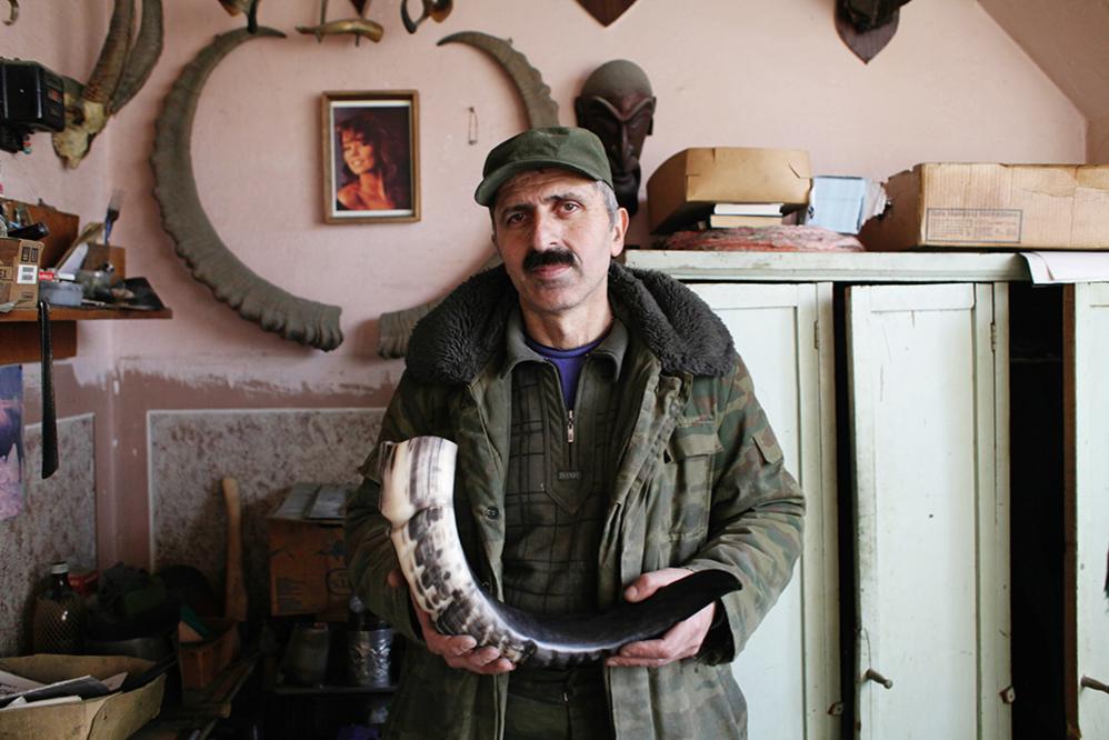 Рога и бокалы: как рождаются знаменитые кавказские сувениры