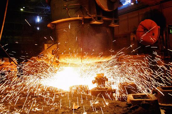 Губернатор Владимиров дал старт работе электросталеплавильного цеха завода «Ставсталь»