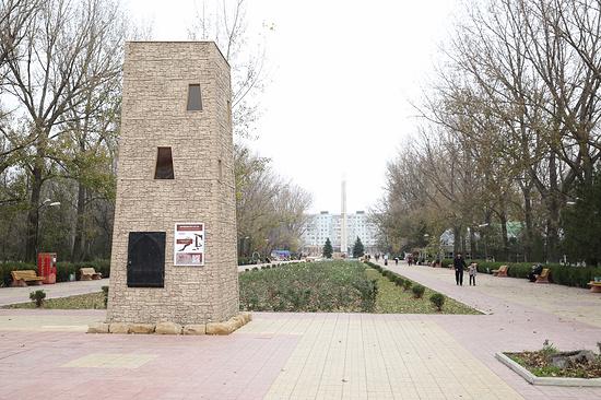 ВМахачкале идет установка миниатюр историко-архитектурных монументов Дагестана